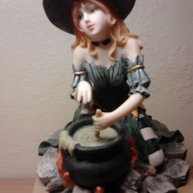 witch statue